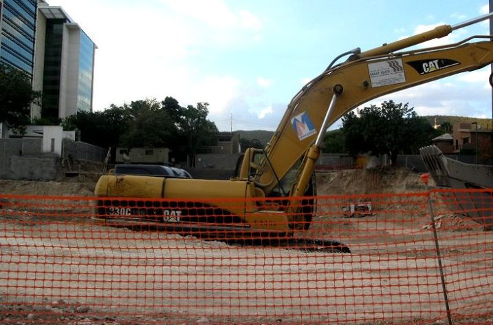 Preparan terreno para nuevo proyecto