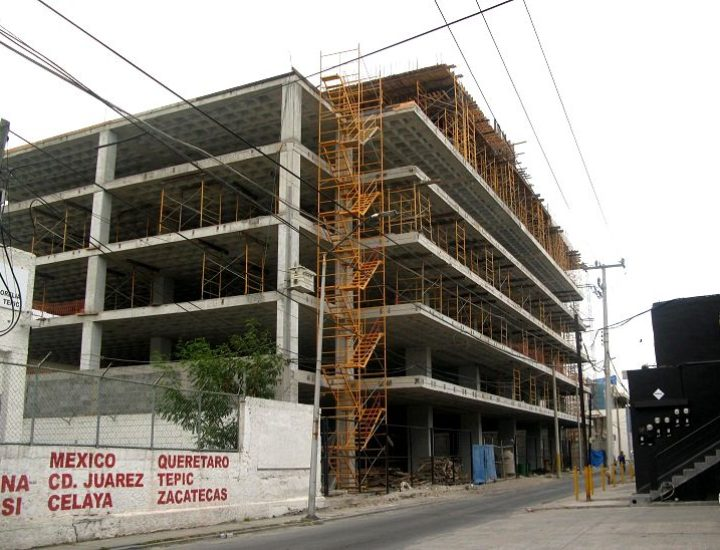 Levantan estructura residencial en La Purísima