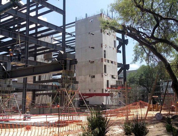 Avanza construcción de edificio educativo de 20 mil m2
