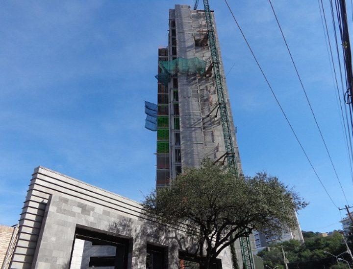 Finalizan estructura de condominio residencial