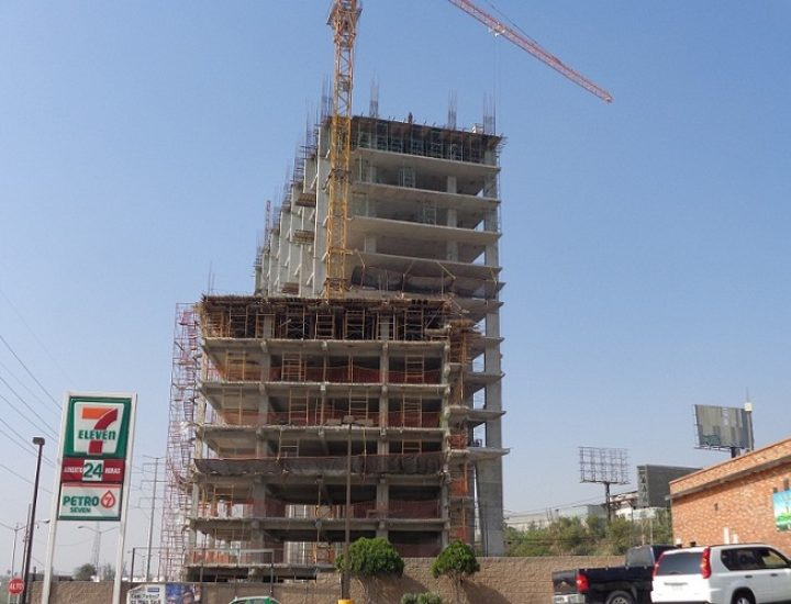 Adelantan construcción de oficinas en Santa María
