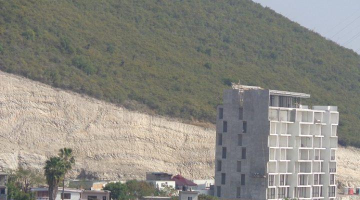 Avanza edificación de conjunto habitacional de 4 torres