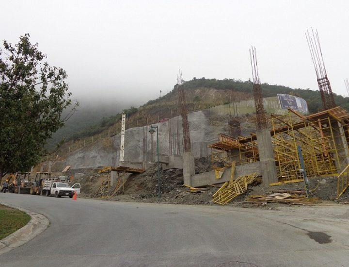 Emerge condominio residencial en Valle Oriente