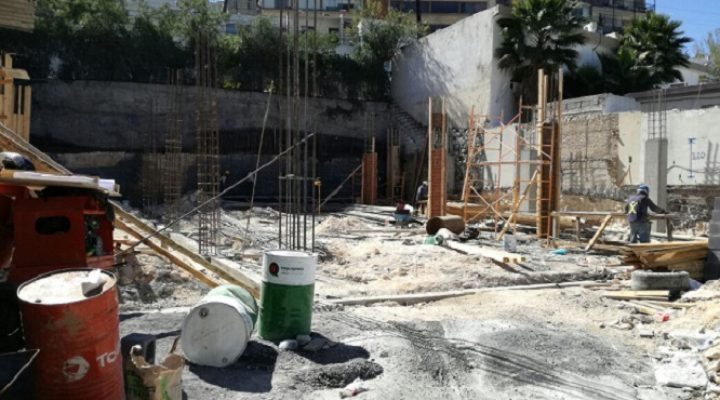 Reanudan construcción de complejo de oficinas