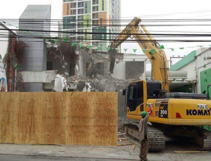 Inician demolición de oficinas; llegará torre mixta