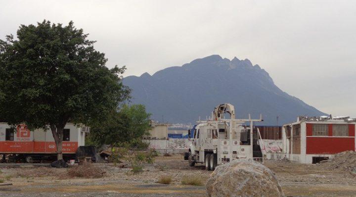 Ejecutan demolición en predio de 15 mil m2