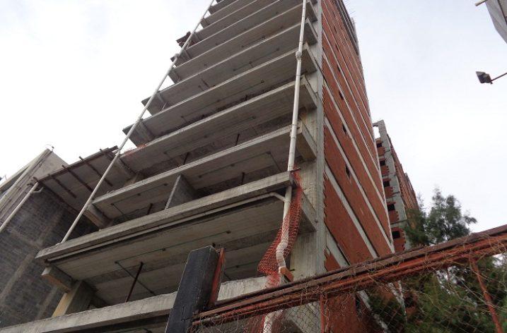 Finalizan estructura de torre de 21 niveles