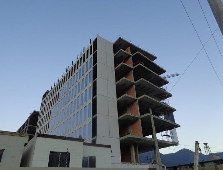 Aceleran construcción de complejo de 8 niveles