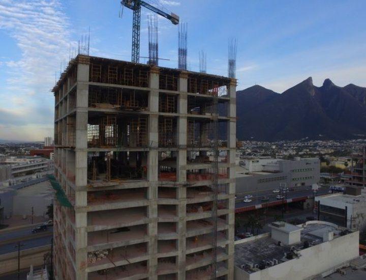 Alcanza niveles superiores torre en Garza Sada