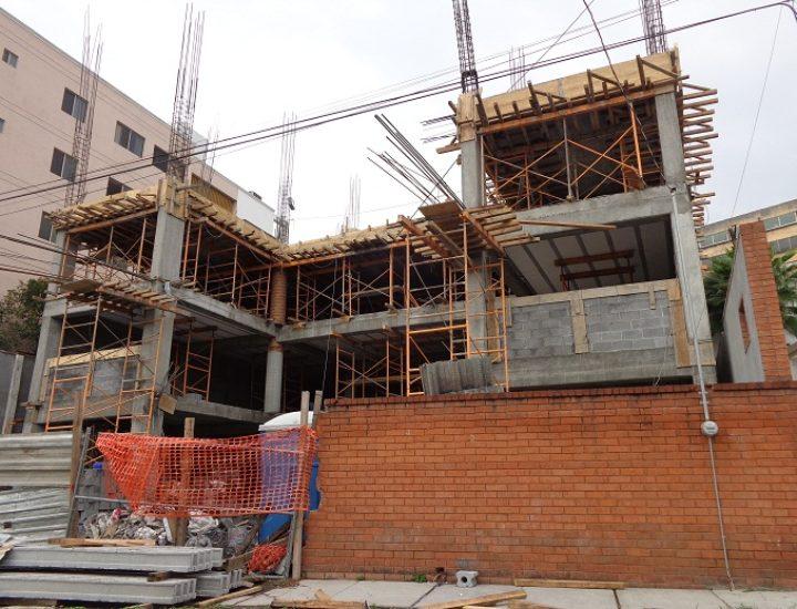Levanta constructora proyecto de oficinas de 10 niveles