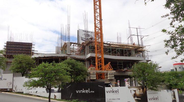 Aparecen primeros niveles de torre corporativa de 70 metros
