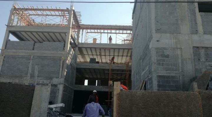 Avanza construcción de condominio de 5 niveles