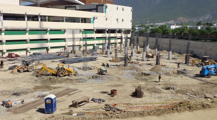 Inicia cimentación de tienda departamental en La Rioja