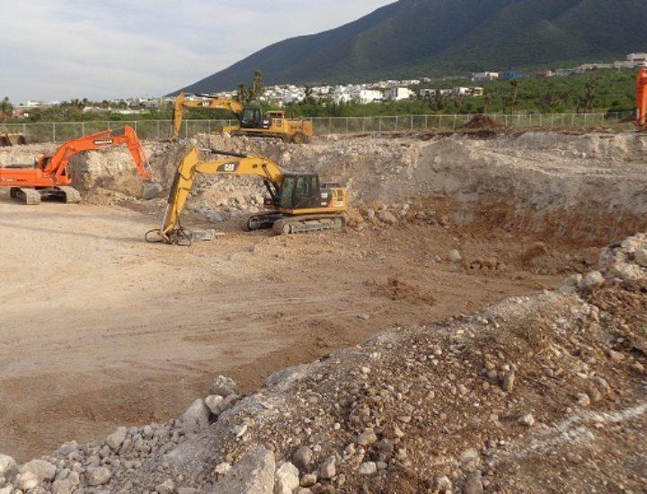 Realizan excavación para edificar agencia en Leones