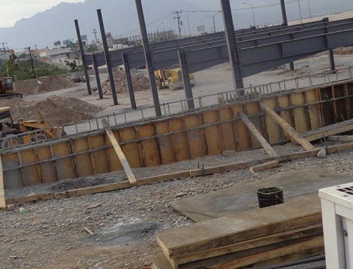Levantan estructura de tienda departamental en Cumbres