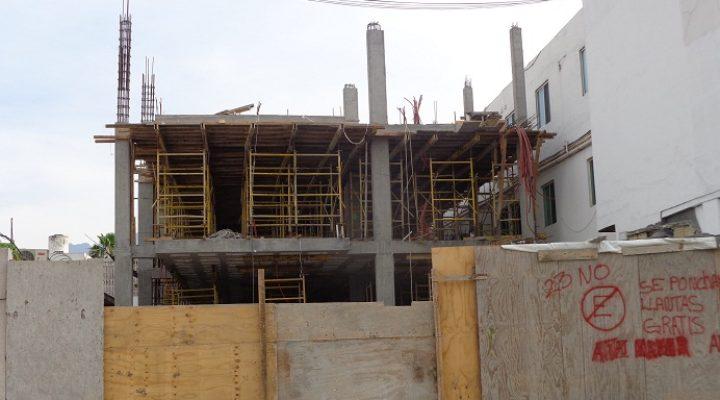 Edifican complejo de 'depas' en Mitras Centro