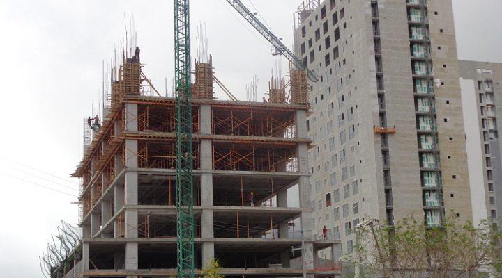 Crece edificio de departamentos de lujo en La Huasteca