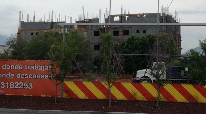 Levantan primer edificio de complejo mixto de 520 mdp