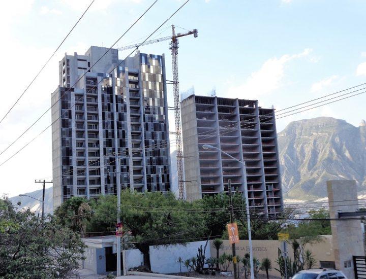 Completan estructura de segunda torre de 22 niveles