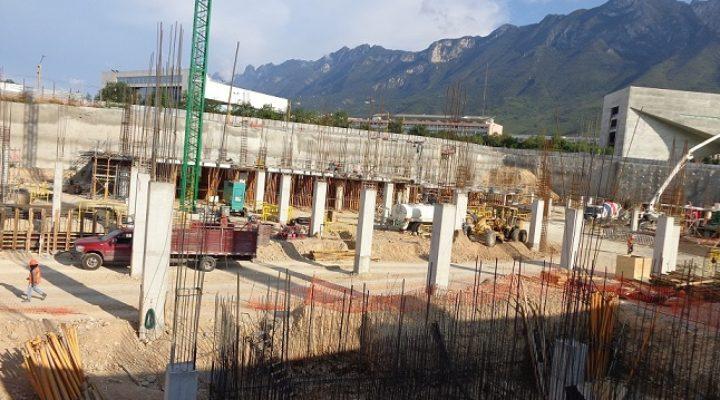 Emergen primeros niveles de pabellón de 90 mil m2