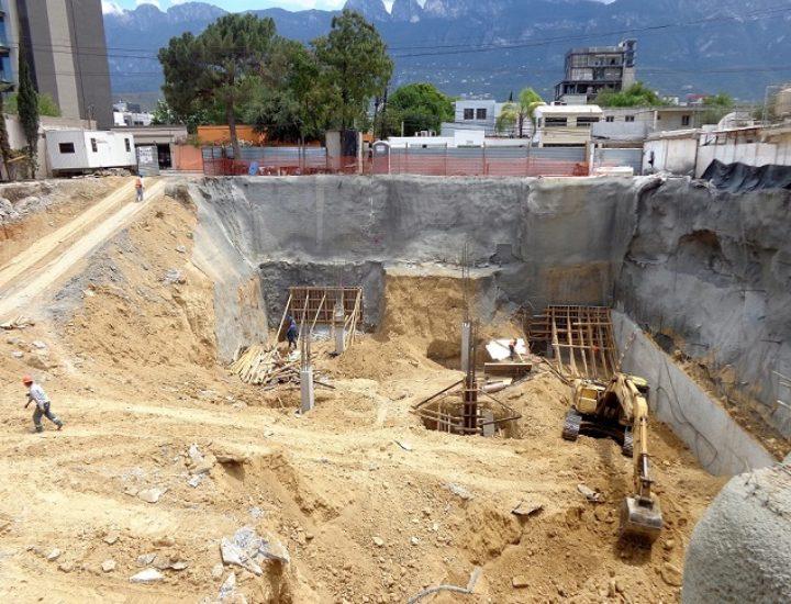 Ejecutan nueva etapa de plaza comercial de 8 mil m2