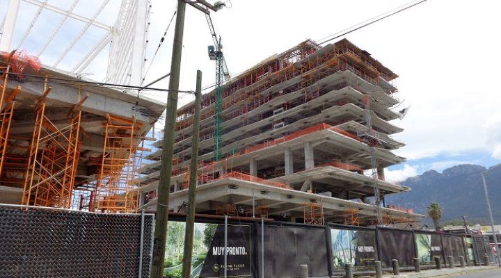 Alcanza altura final estructura de Punto Valle en SP