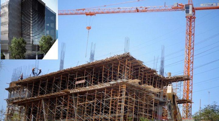 Levantan edificio corporativo en la Loma Larga