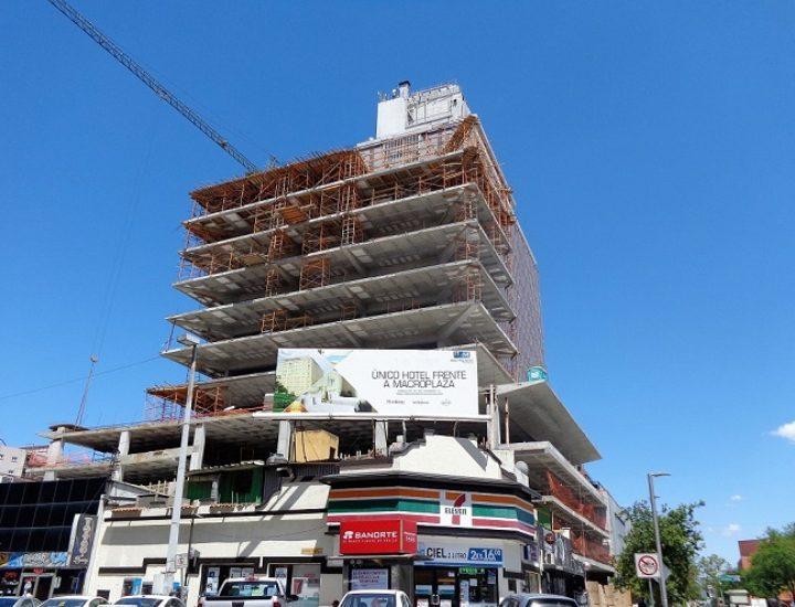 Finaliza estructura de Torre Ocampo; iniciará nueva etapa