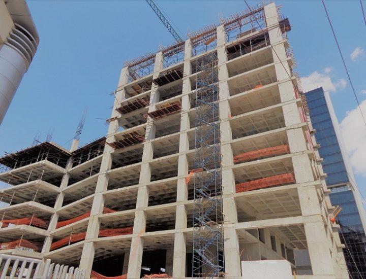 Avanza construcción de torre de 38 niveles