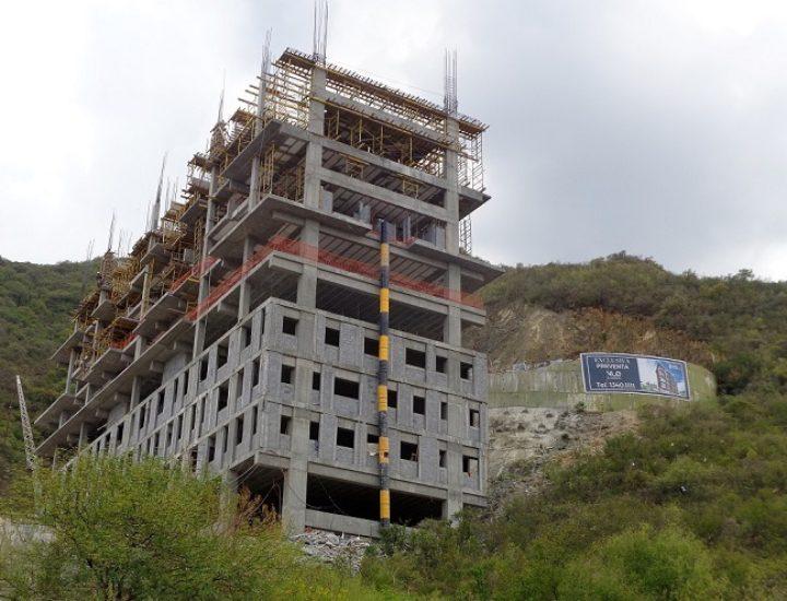 Adelantan construcción de VUE en Valle Oriente