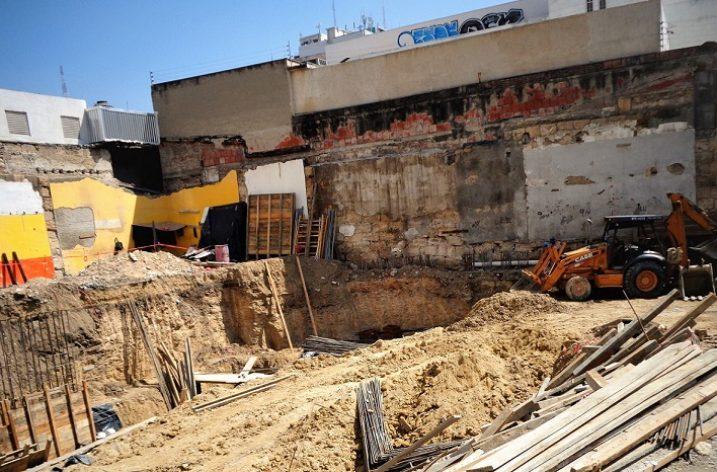 Construyen edificio comercial en Plaza Morelos