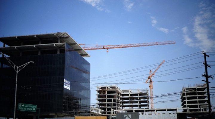 Instalan fachada de edificio corporativo en Apodaca