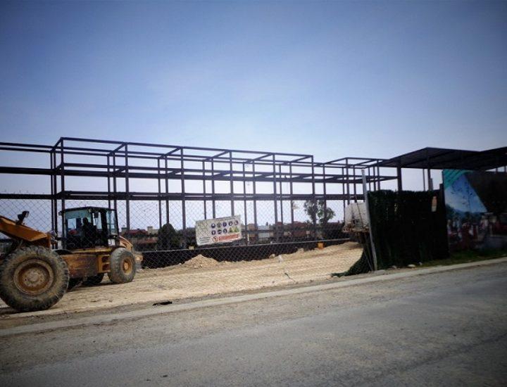 Levantan estructura de 'shopping center' en Guadalupe
