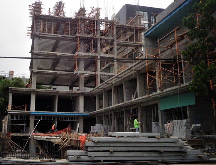 Aceleran construcción de torre mixta en el Centrito