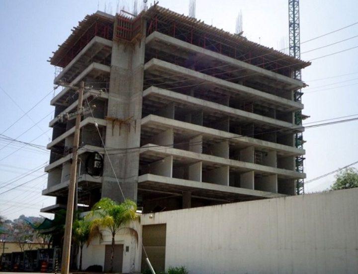 Aceleran ejecución de torre mixta de 12 niveles
