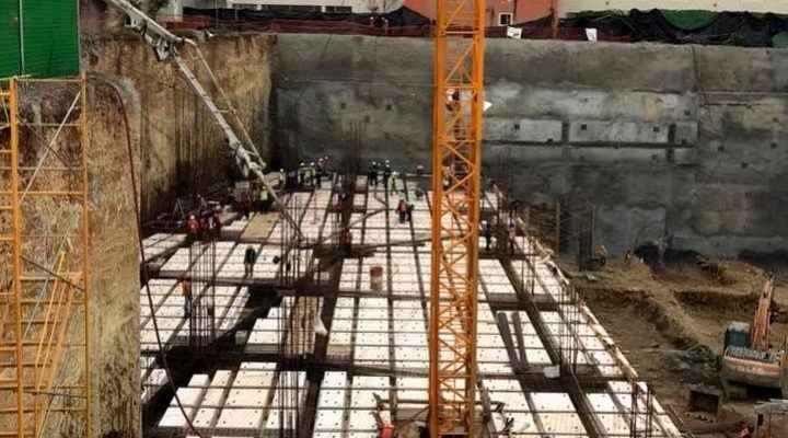 Construyen sótanos de complejo mixto en SP