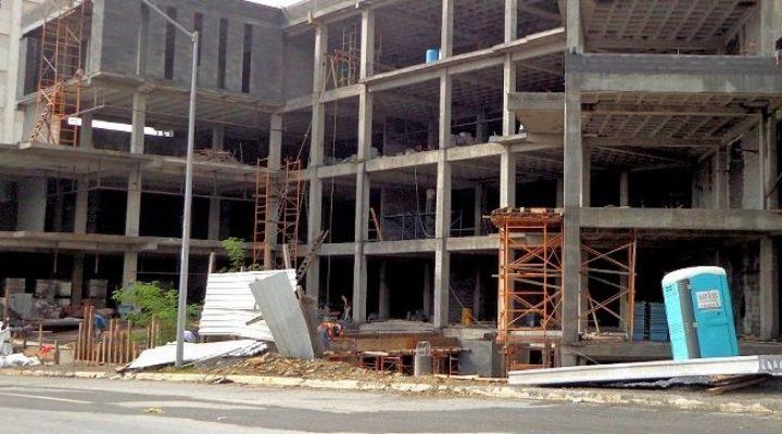 Se acerca apertura de plaza multinivel en Valle Oriente