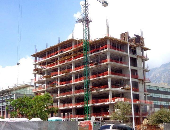 Avanza construcción de edificio mixto en San Pedro