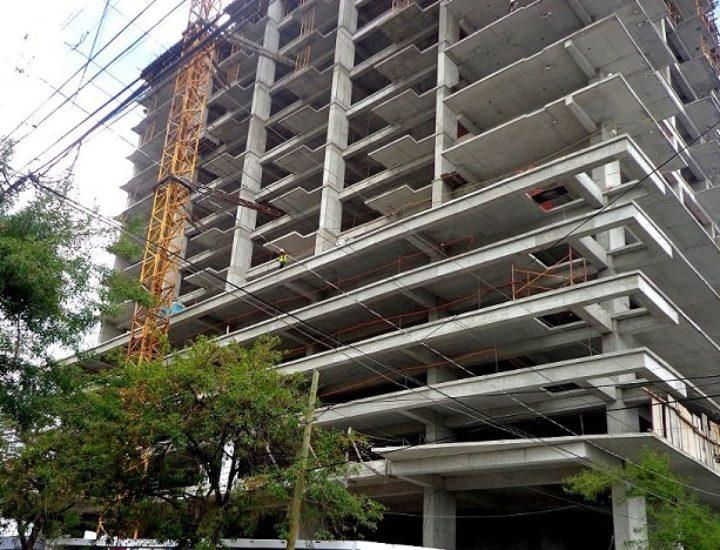 Avanza construcción de torre mixta en Av. Madero