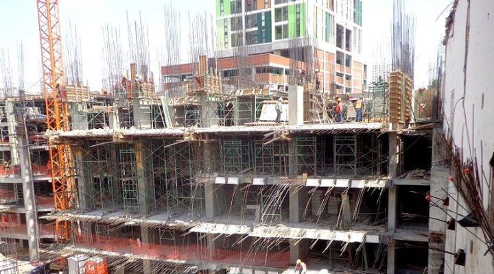 Construyen sótanos de torre mixta en La Purísima