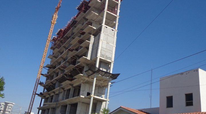 Entra a recta final estructura de usos mixtos en zona Valle