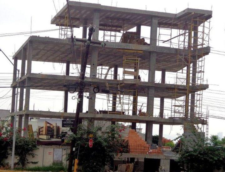 Concluye estructura de 'depas' de lujo en San Pedro