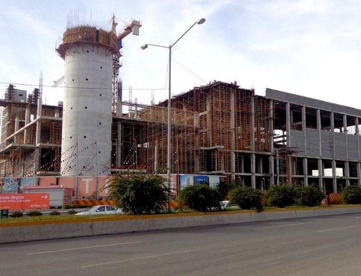 Avanza estructura de plaza  en Distrito Nuevo Colón