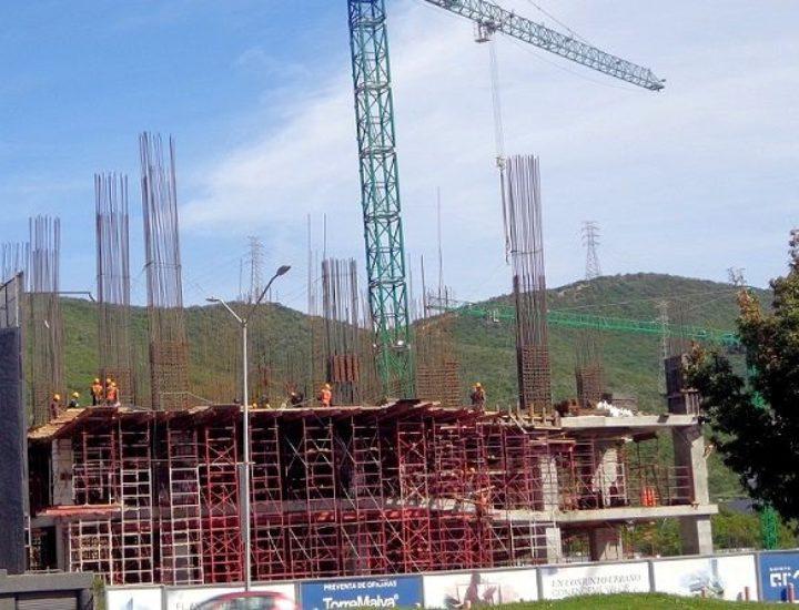 Despunta torre mixta de 20 niveles en Valle Oriente