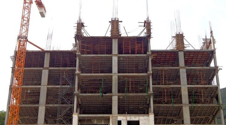 Despega primera torre de 'depas' en Valle Oriente