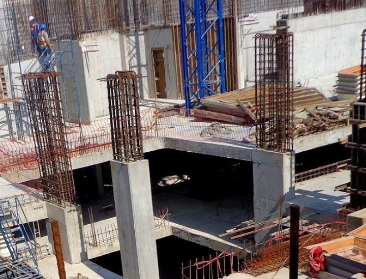 Edifican primeros niveles de torre mixta en zona Valle
