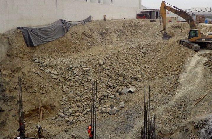 Inicia cimentación de edificios comerciales en MTY