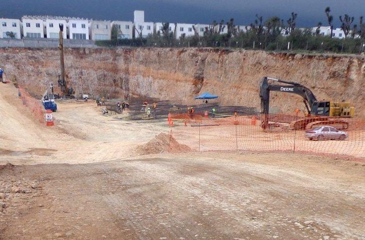 Alistan cimentación de 'megaobra' vertical de 104 mil m2