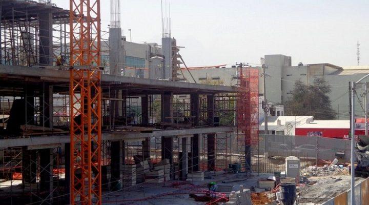 Alcanza tercer nivel complejo de uso mixto en San Pedro