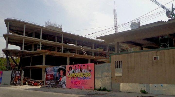 Levantan edificio de uso comercial en la zona Obispado